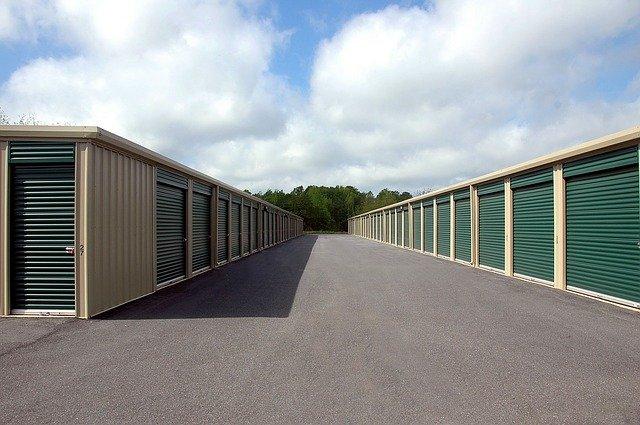 image of a storage unit warehouse